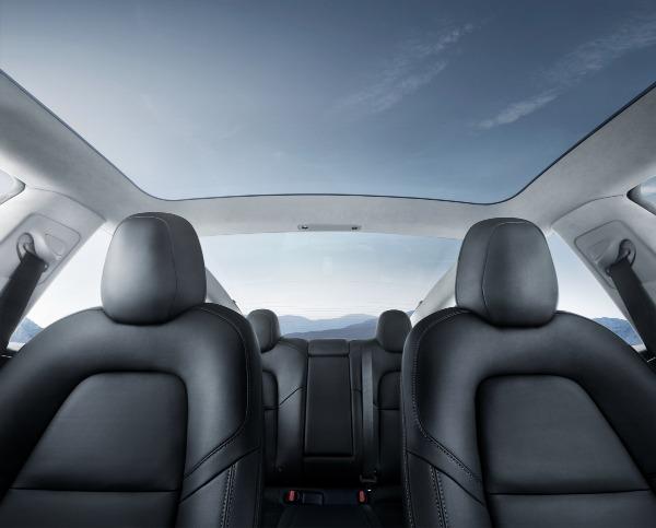 Tesla Panoramic Glass Roof